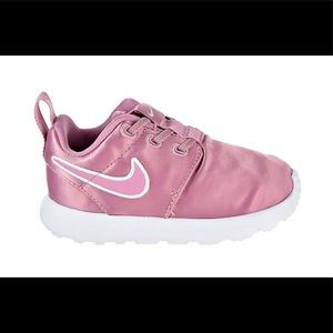 New Nike Roshe One Pink Girls Toddler Shoes new
